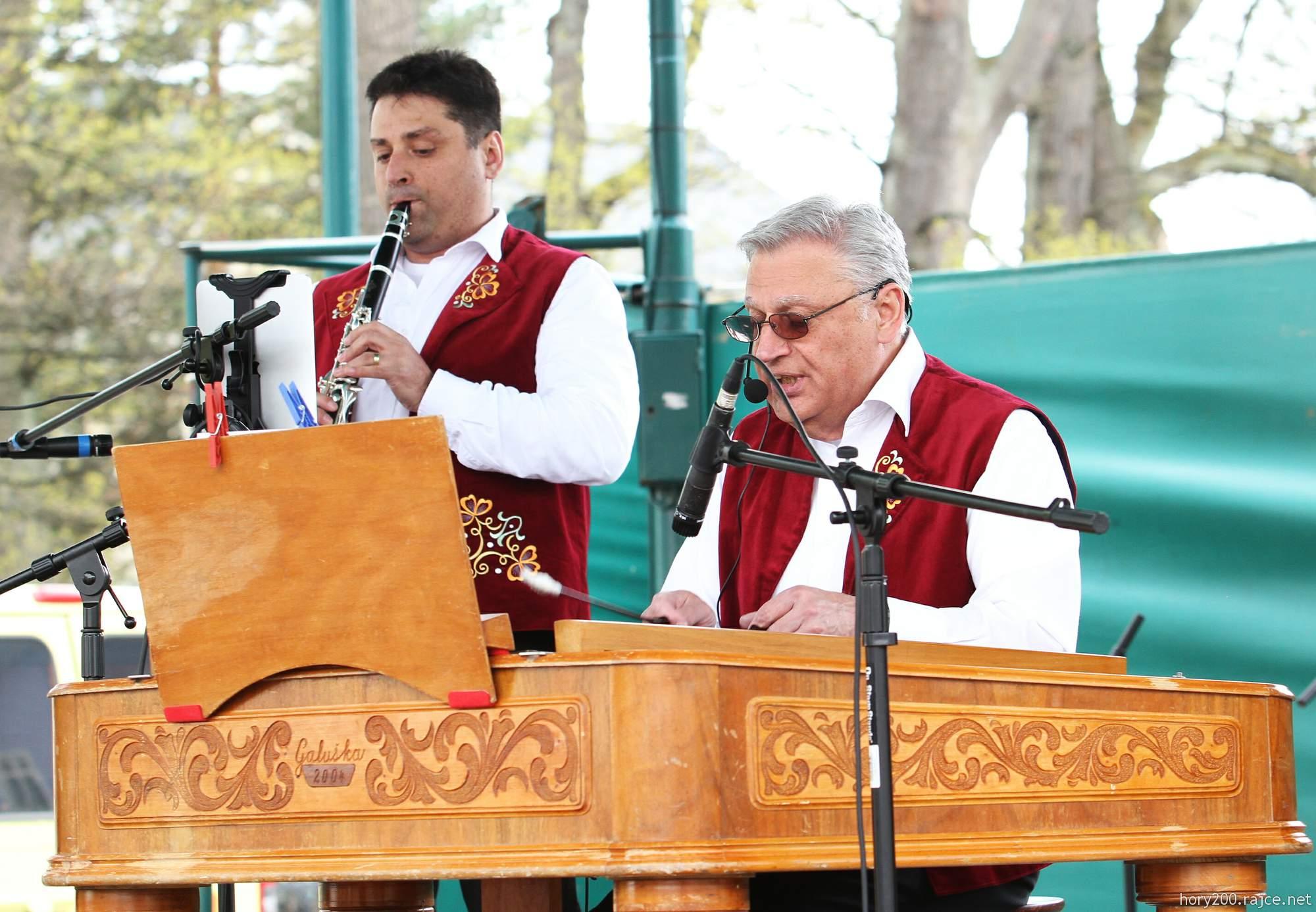 Městské slavnosti s cimbálovou muzikou